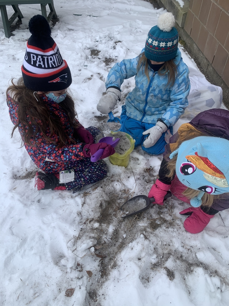Making snow & sand castles