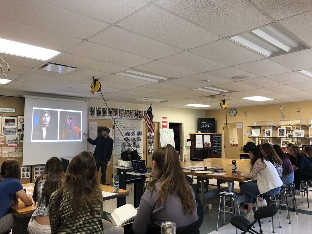 Photographer Daymion Mardel visits YHS