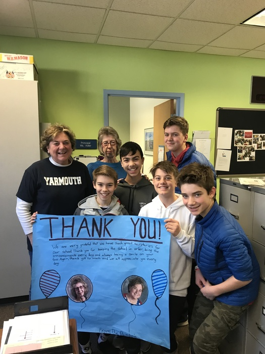 7th grade students recognize the great work of our secretaries