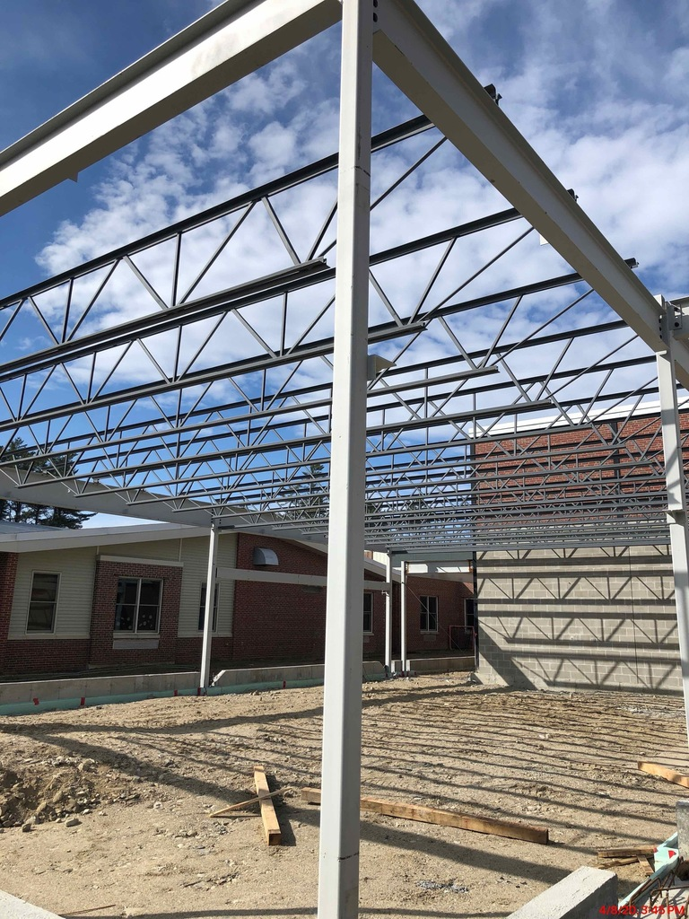 Steel erection at Yarmouth High School